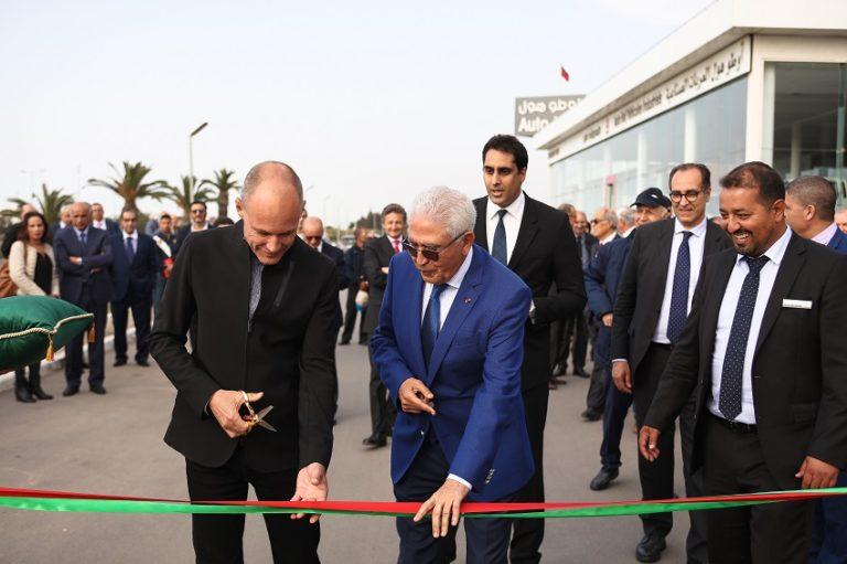 Inauguration Autohall Piccard coupe le ruban